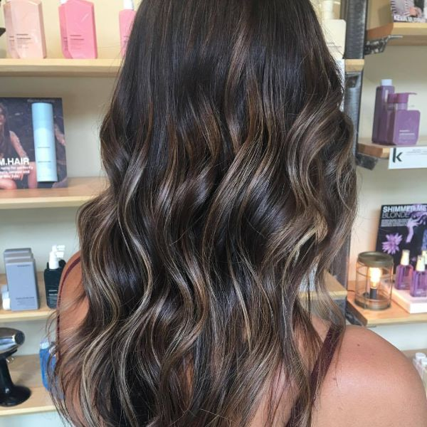 darks & lights caramel balayage